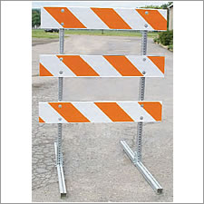 USA Sign TYPE III BARRICADES